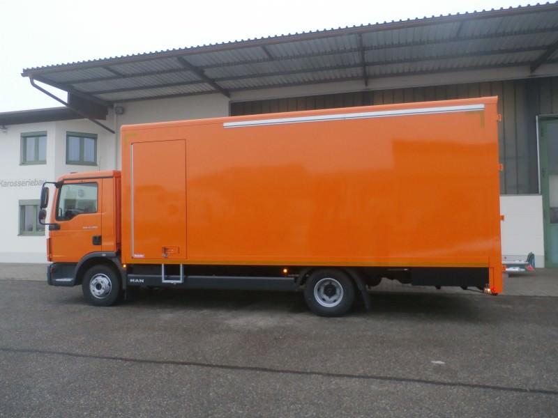 Koffer und Kühlfahrzeuge pic1489562897