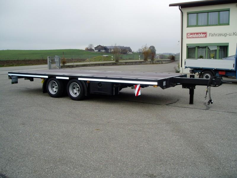 Tieflader- und Plattformfahrzeuge pic1484234813