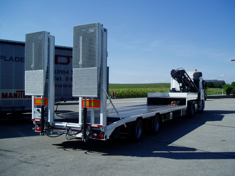 Tieflader- und Plattformfahrzeuge pic1484234754