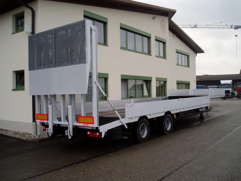 Tieflader- und Plattformfahrzeuge pic1484234763