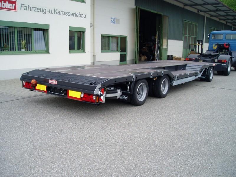 Tieflader- und Plattformfahrzeuge pic1484234803